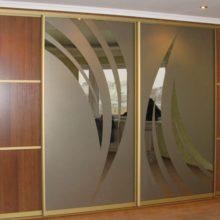 Встроенные шкафы-купе в Симферополе на заказ