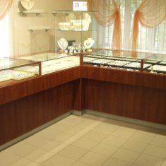 Корпусная мебель для магазинов на заказ в Симферополе производства компании Мебельщик