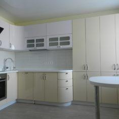Кухонные гарнитуры на заказ в Симферополе производства компании Мебельщик