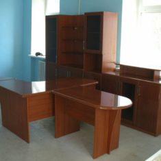 Офисная мебель на заказ в Симферополе производства компании Мебельщик