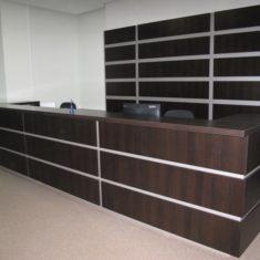 Корпусная мебель для офисов на заказ в Симферополе производства компании Мебельщик